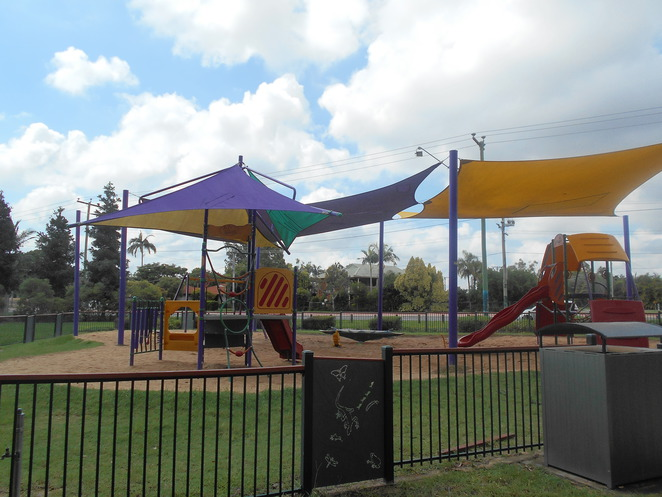 Middle park, Boronia Heights, playground, gym equipment, picnic