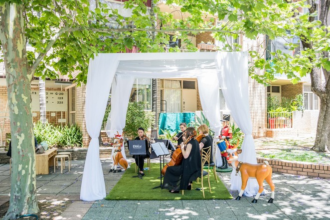 sidewalk sounds 2019, community event, fun things to do, free music event, christmas 2019, festive season 2019, city of perth, free perfromances, free chi cho gelato, aquila, bands, classic christmas tunes, dolce ensembles, string quartet, baden street singers, a-cappella group, adrian wilson, free scoop of chicho gelato