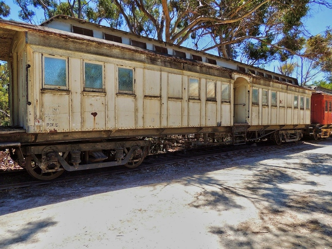 tailem town, ghost adventures, history of south australia, ghost tours, old tailem town, holiday in sa, about south australia, tourism, tailem bend, camp train