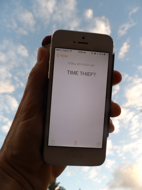 Time Thief, Manage your time, time management tips, how to manage time better, how to be good with time, time, Facebook, social media, stop wasting time, time wasters
