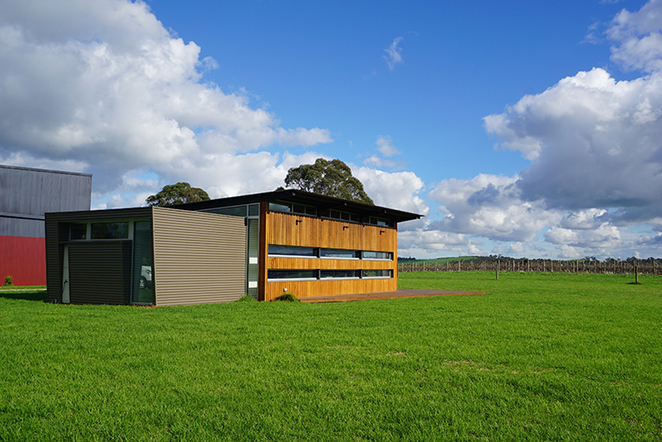 yarra valley, winery, distillery, tasting, weekend escape, wine tour, wiggley bottom, country side