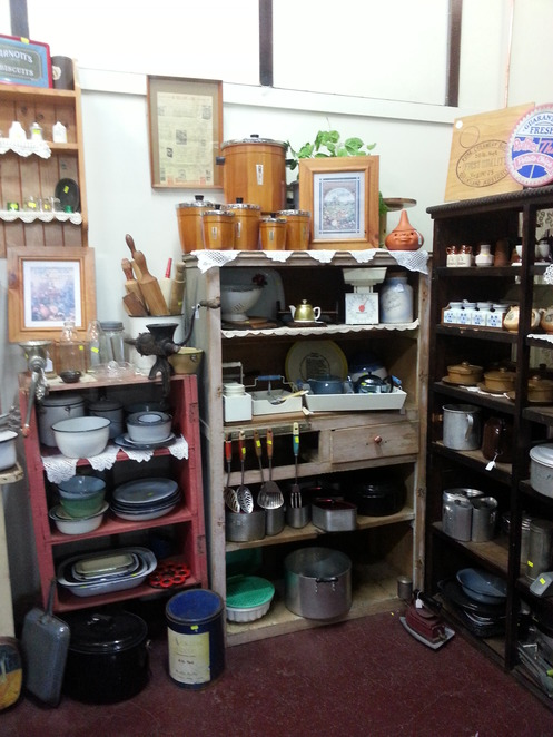 Collectables, Shopping, Secondhand Maryborough