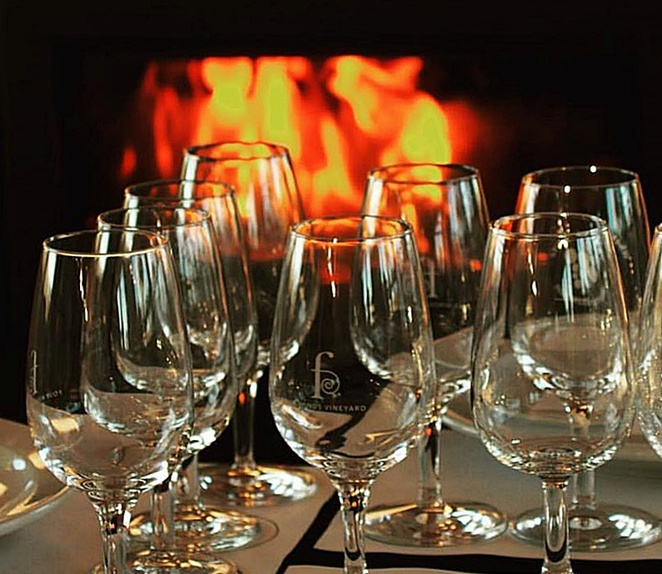 four winds vineyard, canberra, wine district, fireplace, wood fired pizza, wine tasting,