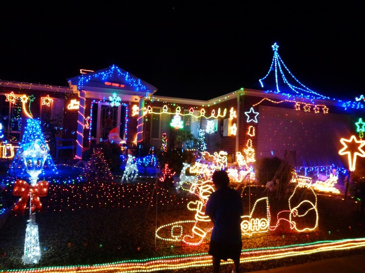 suburbs in sydney with christmas lights