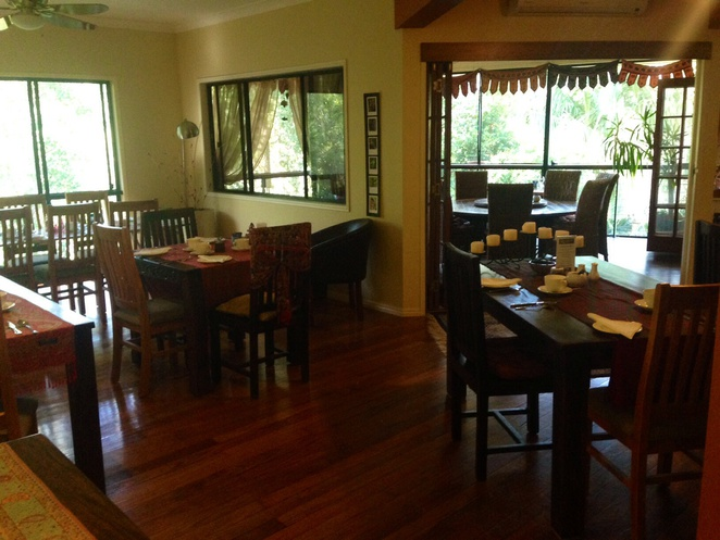 Mount cotton retreat, Brisbane, gold coast, weekend getaway, bed and breakfast, bush walking, sirromet winery, holiday cabins, special occasion, romantic holiday, luxury accommodation