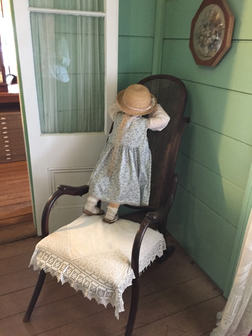 Pioneer Cottage, 1882, Heritage Listed, museum, open to the public, treasure trove of items from the erar