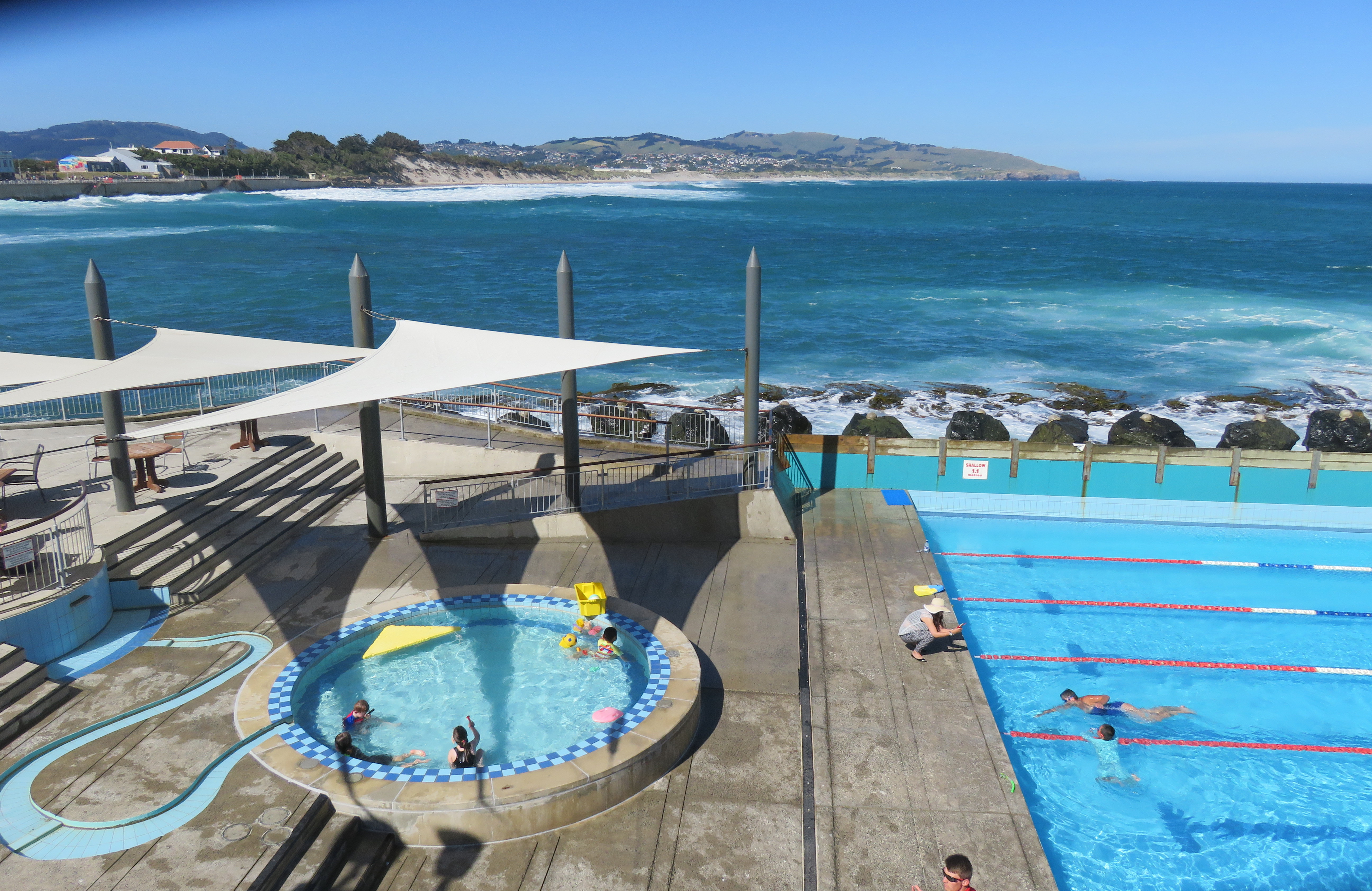 St clair hot salt water pool dunedin for Swimming pool design new zealand