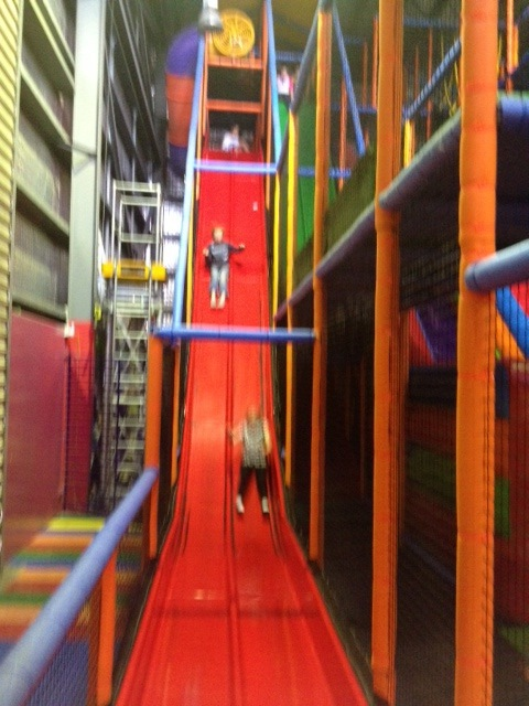 Kids space indoor playcentre and party venue melbourne for Indoor play slide