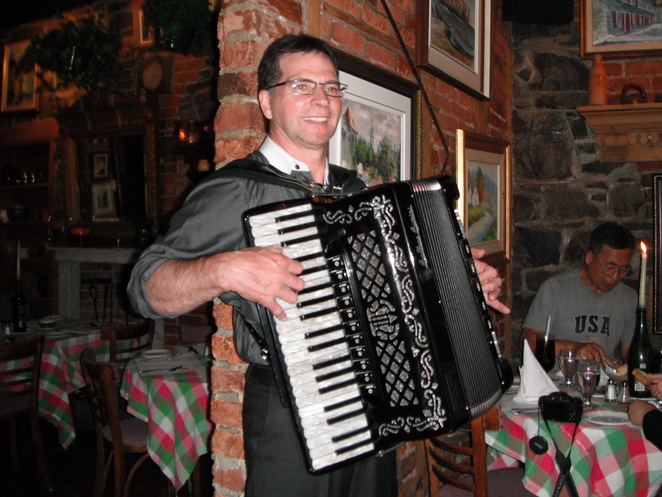 accordian player, Cafe de Paris, Old Quebec
