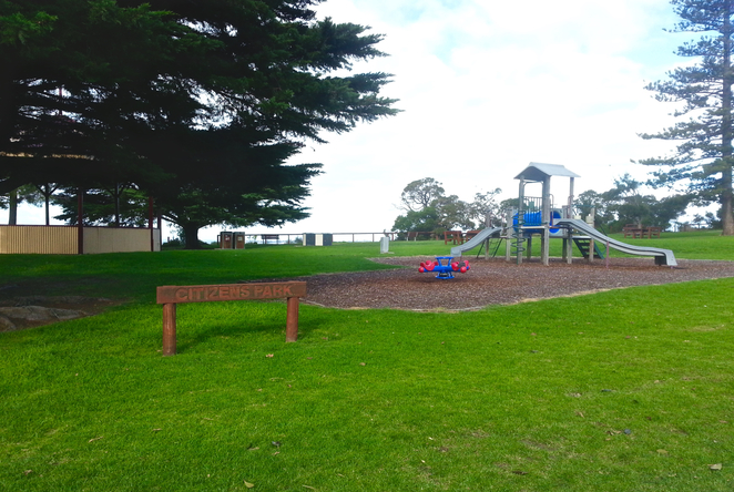 Citizen's Park, Queenscliffe, Queenscliffe foreshore Reserve, Playground, Picnic spot, BBQ, public bbq, barbecue, electric barbecues, recreation, park, foreshore, bellarine,