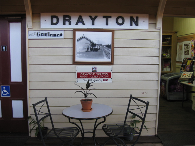 Drayton Station platform Downs Steam
