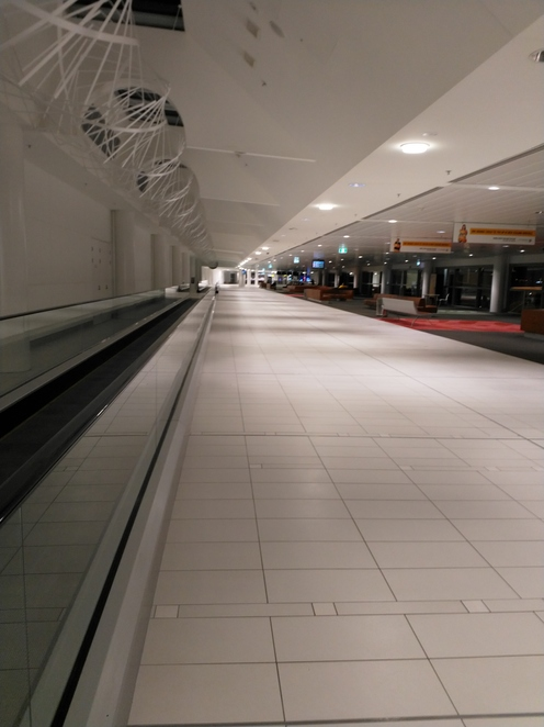 The long, air-conditioned corridors on Level 3, make walking very comfortable.