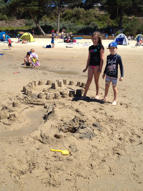 schnapper point mornington beach sand castles summer hot days