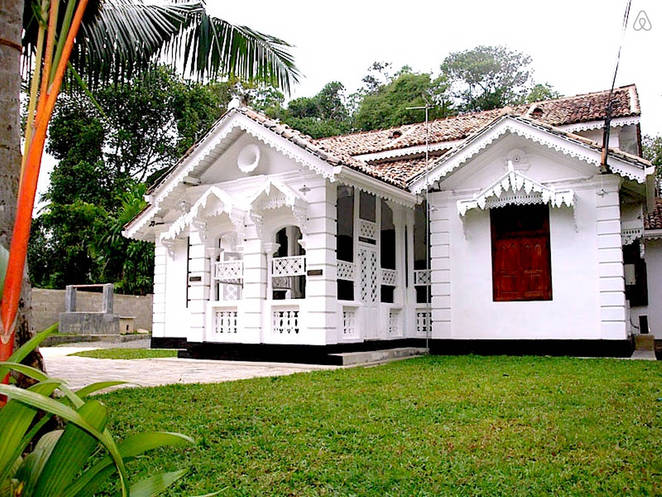 Sea Breeze Villa, Weligama, Colonial Villa in Weligama, accommodation in Sri lanka, Wale watching in Sri Lanka accommodation, Beach in Weligama