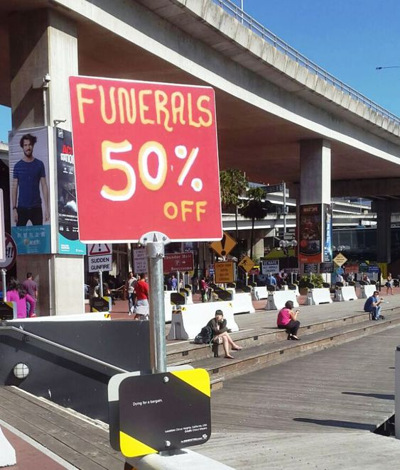 Signspotting in Darling Harbour
