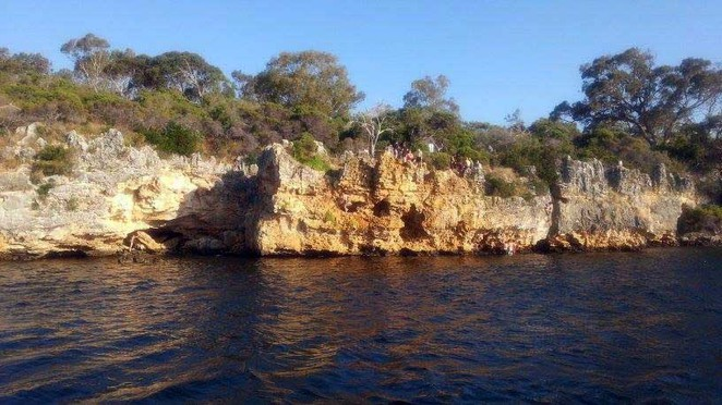 Blackwall, Reach, Point, Walter, Swan, River, Perth, Fremantle, Bicton, Cliff, Jumping