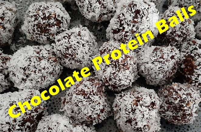 choc protein balls, date recipes, recipes using dates, balls, energy balls, healthy, lunch box, cocoa, nust, honey, coconut, lunch box ideas, oat recipes, easy, quick, australia, kids, family, lunch box, work, after gym,