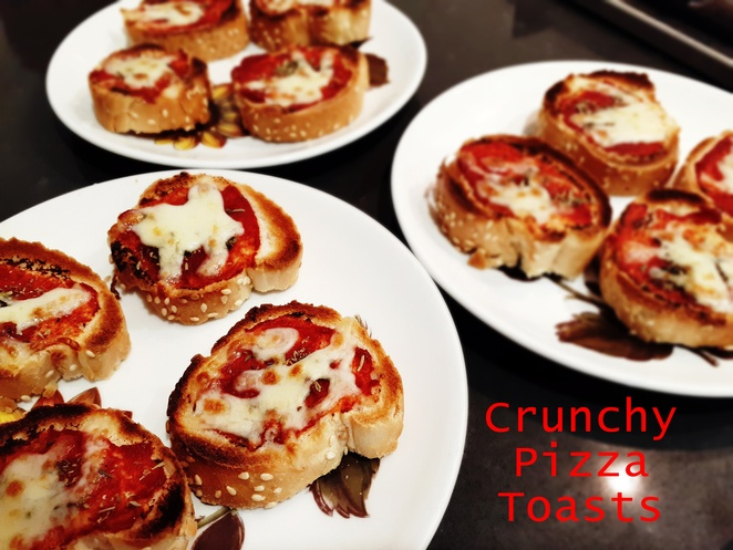 crunchy pizza toasts, pizza, mixed herbs, tomato pasts, french stick, baguette, lunch, kids, children, australia, kids, children, finger food,