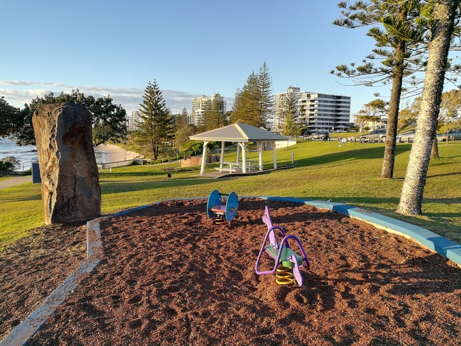 mooloolaba, alexandra headlands, bbq area, picnic area, views, alex heads, cruise boats, hmas brisbane lookout, kids, families, walks, best place to watch sunrise,