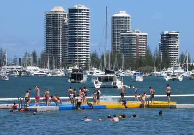 Swimming lagoon and pontoon, Broadwater Parklands