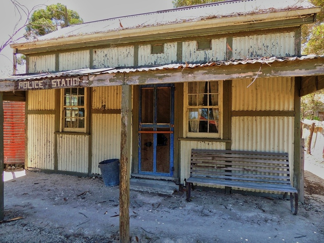 tailem town, ghost adventures, history of south australia, ghost tours, old tailem town, holiday in sa, about south australia, tourism, tailem bend, police station
