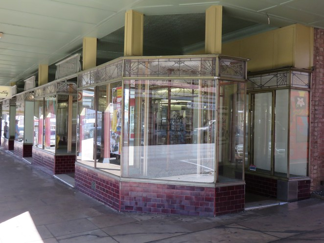 Target Country, charters towers, heritage walk, australian heritage buildings, stan pollard, queensland tourist attractions,,