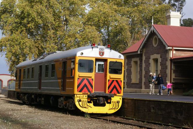 adelaide hills, jazz, jazz trains, jazz festival, mount barker, steamranger, new orleans, music festival, red hen