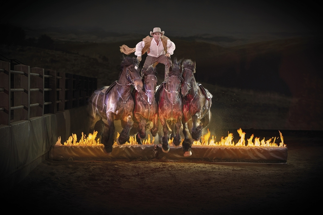 australian outback spectacular fire jumping horses