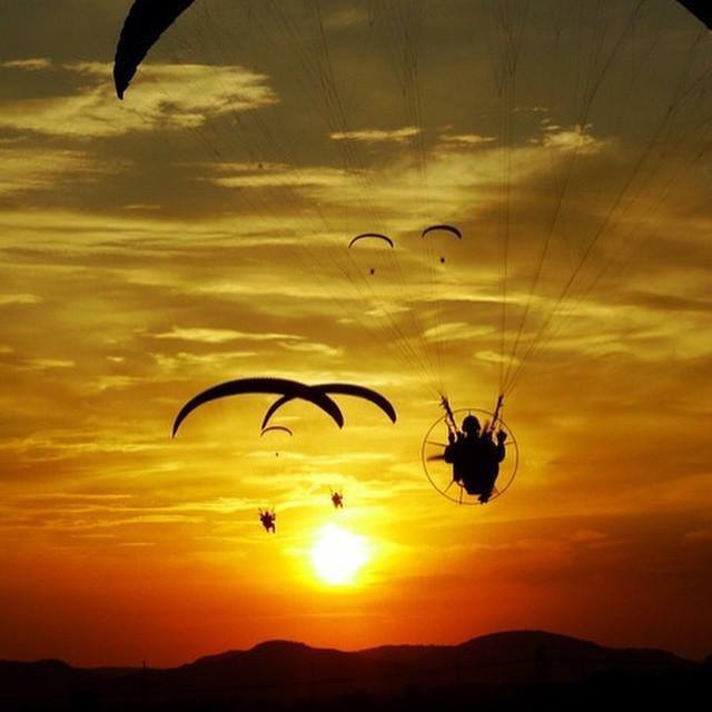 australian paragliding centre, canberra, murrumbatamen, paragliding, skydiving, hot air ballooning, ACT, canberra,