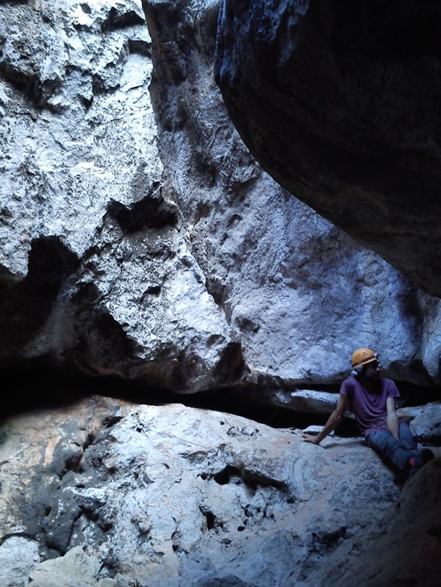 capricorn caves, caving, outdoor, adventure activities, rockhampton with kids, cave tours