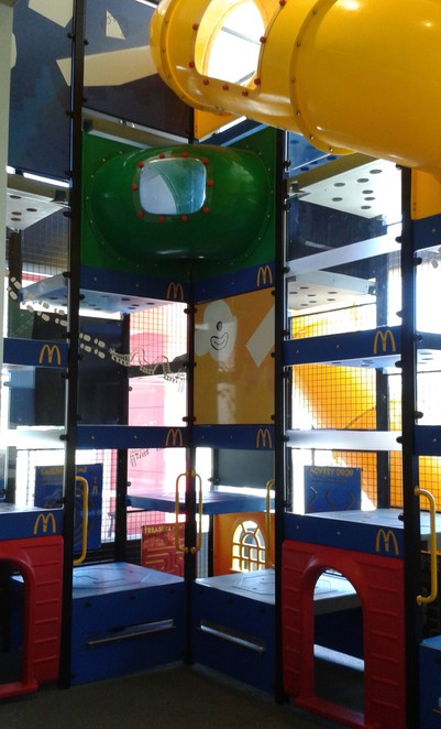 mcdonalds erindale, canberra, best playgrounds in tuggeranong, indoor playgrounds, winter playgrounds, ACT,