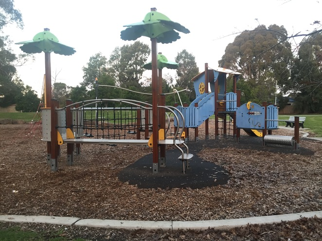 Minihans reserve, Cranbourne West, Playgrounds, South East, City of casey