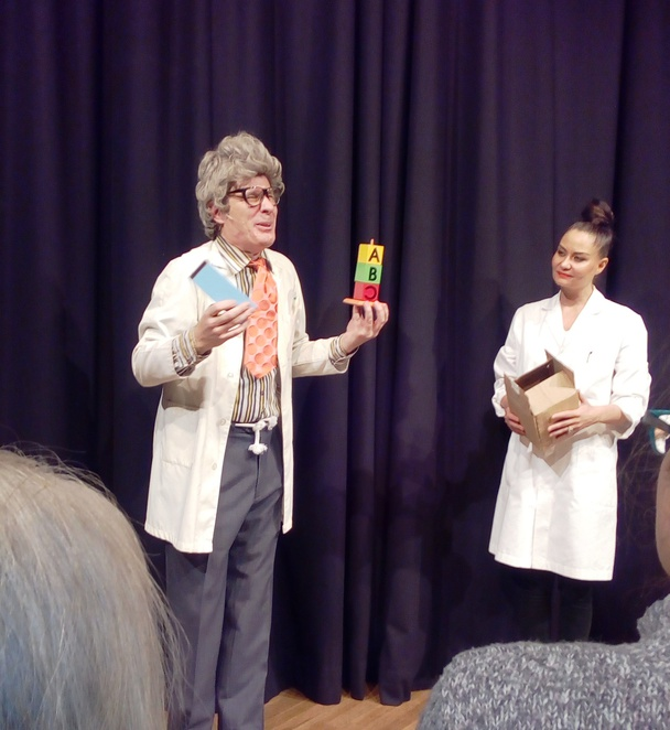 Professor Googalfitz, Tim Ellis, magic show, magician