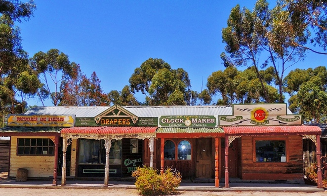 tailem town, ghost adventures, history of south australia, ghost tours, old tailem town, holiday in sa, about south australia, tourism, tailem bend