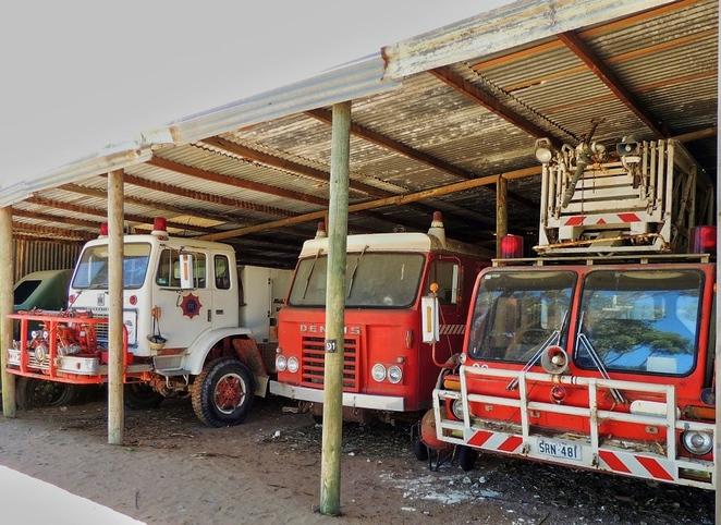 tailem town, ghost adventures, history of south australia, ghost tours, old tailem town, holiday in sa, about south australia, tourism, tailem bend, fire engines