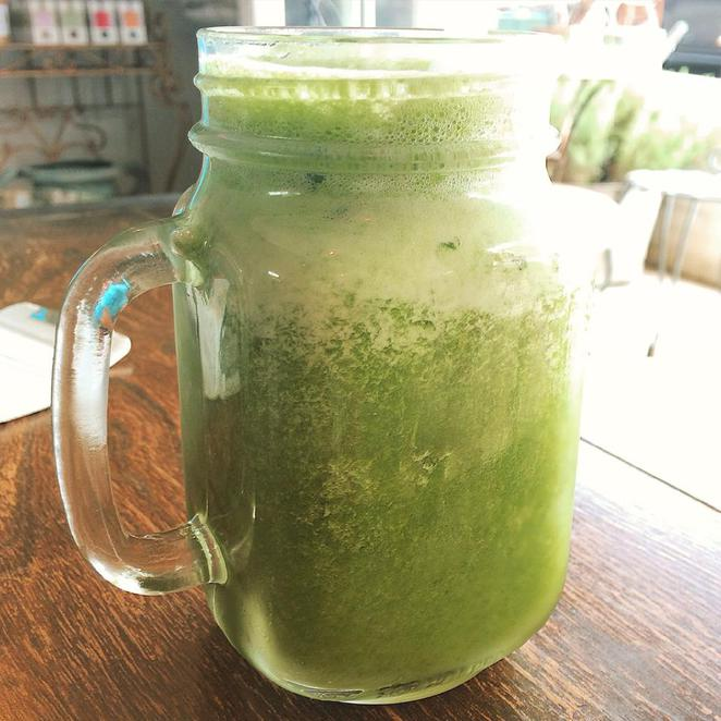 green, smoothie, healthy, drink, juice, pineapple, mint, kale, spinach, refreshing, quenching, the vintage goose, kyle bay
