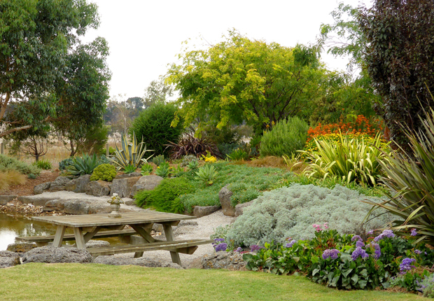 Open gardens in country victoria this autumn melbourne for Landscape design courses adelaide