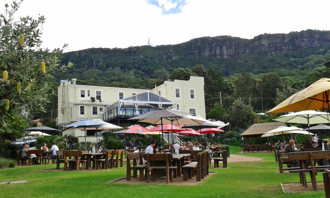scarborough pub, wollongong, NSW, road trips from Canberra, canberra trips, ACT, beaches, wollongong,