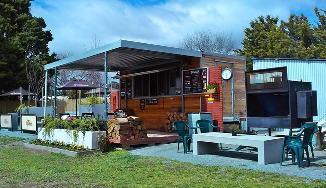 the spit shack, pialligo, canberra, ACT, canberra airport, canberra, airport, things to do,