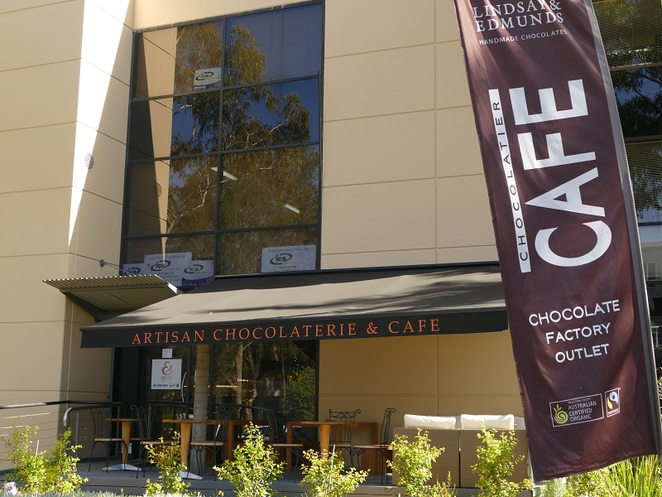 chocolate factory outlet cafe