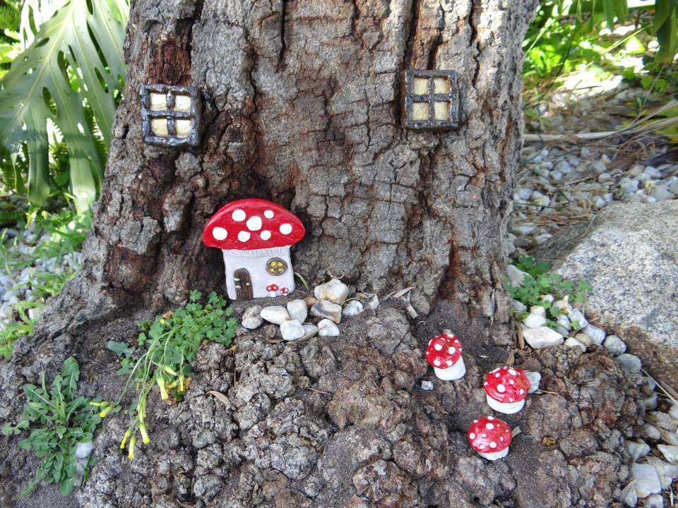 making fairy gardens with kids everywhere
