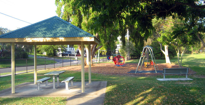 There are several kids play areas suitable for different ages in Huxtable Park