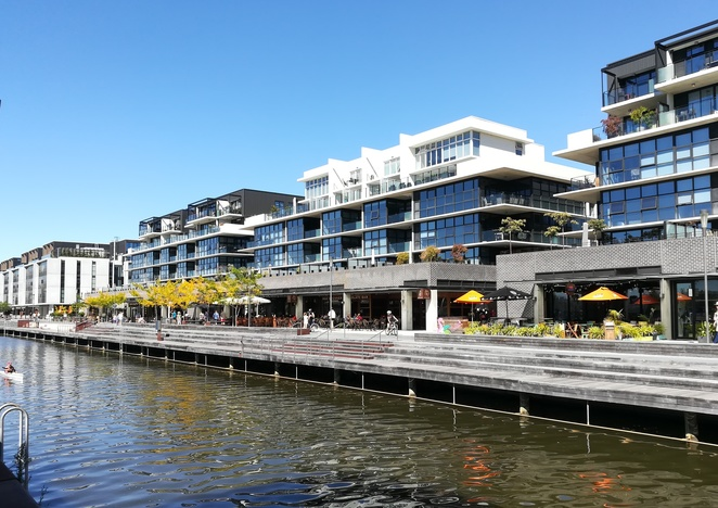 kingston foreshore, cafes, best cafes in canberra, family friendly cafes, breakfast, brunch, ACT, water views, lake burley griffin, outdoor, waterfront, cafes with views,