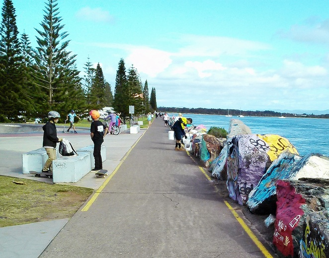 port macquarie, NSW, mid north coast, breakwall, dolphins, skate park, walks, scneic, whale watching, dolphin watching, tourist attractions, things to do, whats on, scenery, family, families, kids, seniors,