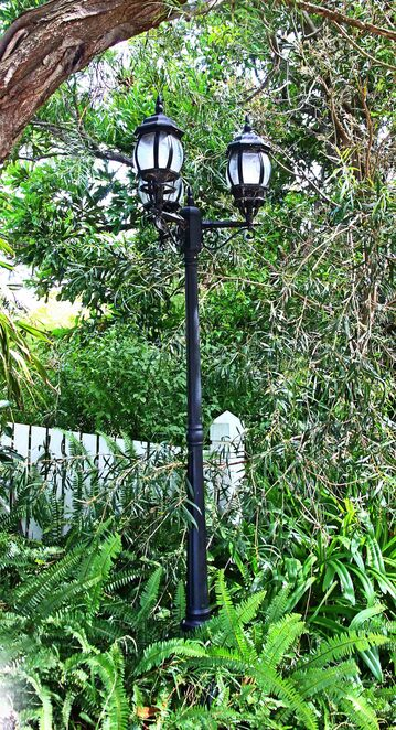three lamp post.