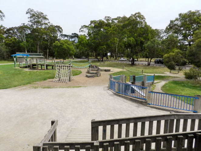 yabbie hill, jells park, adventure playground, playgrounds in wheelers hill, parks in melbourne, playscape, playground,