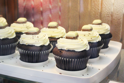 cherry seed cupcakes, top deck cupcake, canberra's best cupcake, i am norma