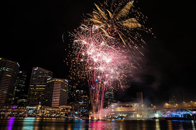 darling harbour sydney new year's eve fireworks