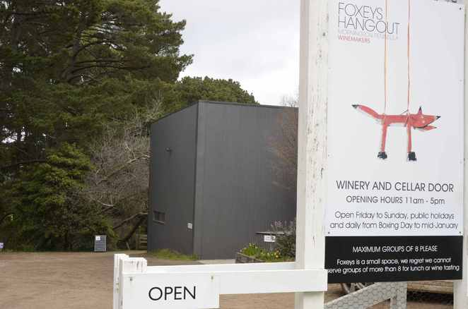 FOXEYS HANGOUT wineries Melbourne Red Hill Mornington Restaurant wines famous weekender winery