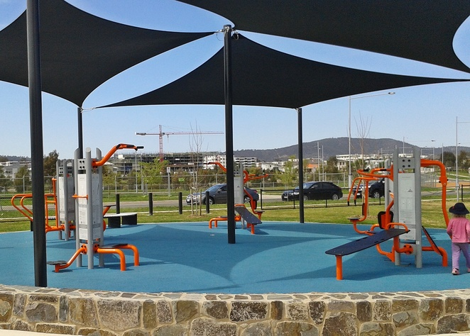 franklin community park, outdoor fitness stations, outdoor exercise, canberra, ACT, exercise, gyms, outdoor gym stations, franklin, gungahlin,